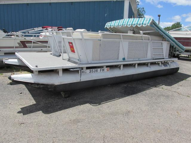 Sylvan 20' PONTOON