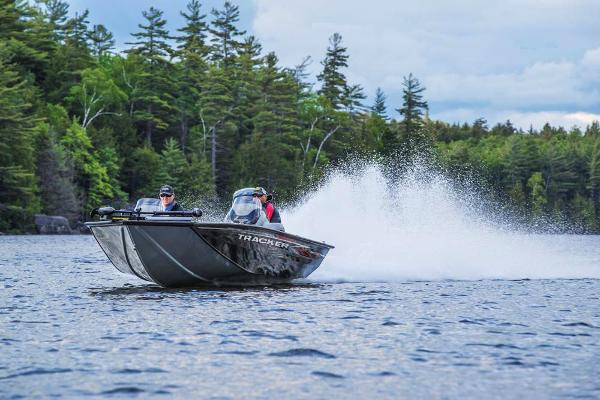 2020 Tracker Boats boat for sale, model of the boat is Pro Team 195 TXW & Image # 5 of 53