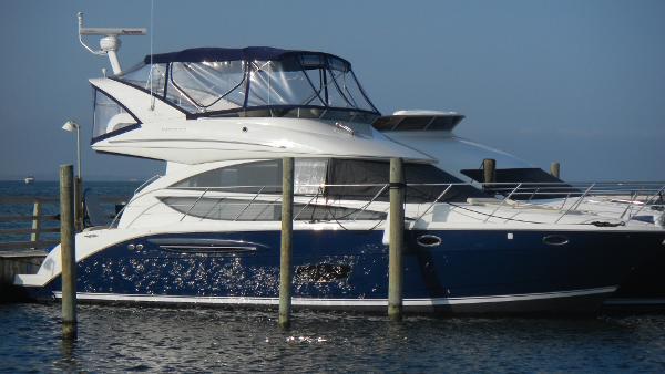 2011 39' Meridian 391 Sedan