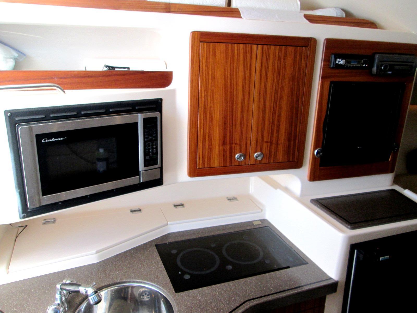 Grady-White330 Express WA