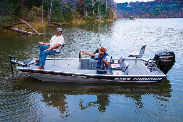 2013 Tracker Boats boat for sale, model of the boat is Pro 170 & Image # 3 of 17