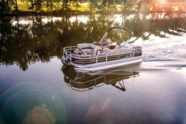 2019 Sun Tracker boat for sale, model of the boat is Fishin' Barge 20 DLX & Image # 4 of 20