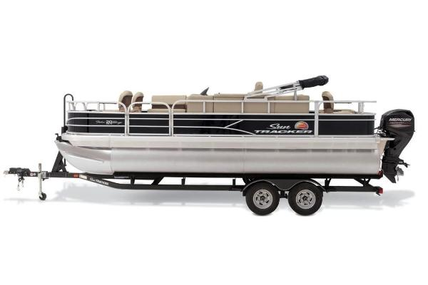 2019 Sun Tracker boat for sale, model of the boat is Fishin' Barge 20 DLX & Image # 12 of 20