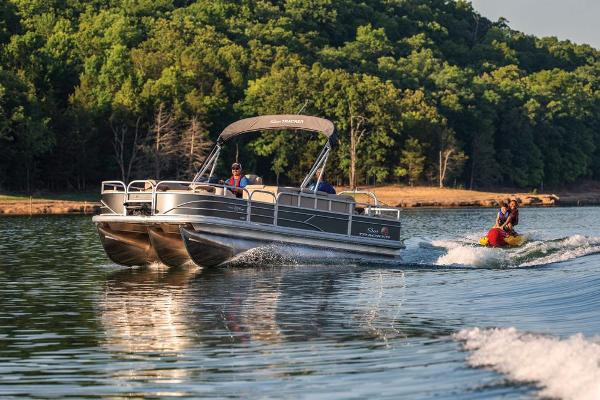 2019 Sun Tracker boat for sale, model of the boat is Fishin' Barge 22 XP3 & Image # 3 of 42