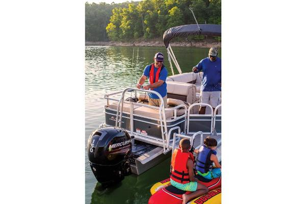 2019 Sun Tracker boat for sale, model of the boat is Fishin' Barge 22 XP3 & Image # 17 of 42