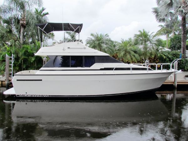 Mainship - 35 Mediterranean Convertible Boats. Listing Number: M-3703613