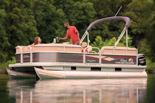 2019 Sun Tracker boat for sale, model of the boat is Party Barge 18 DLX & Image # 10 of 23