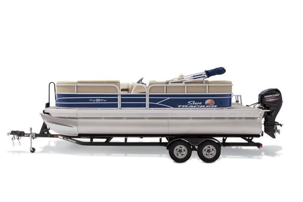 2019 Sun Tracker boat for sale, model of the boat is Party Barge 20 DLX & Image # 16 of 19