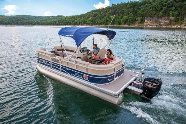 2019 Sun Tracker boat for sale, model of the boat is Party Barge 20 DLX & Image # 6 of 19