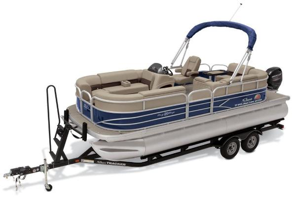 2019 Sun Tracker boat for sale, model of the boat is Party Barge 20 DLX & Image # 12 of 19