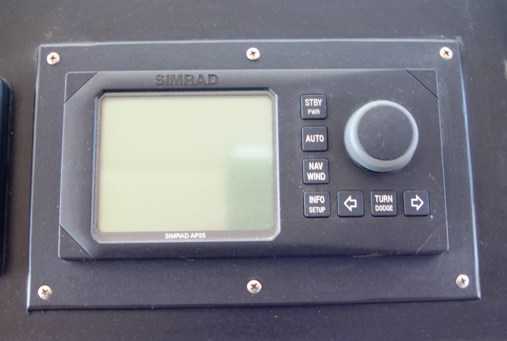 AutoPilot-Simrad AP25