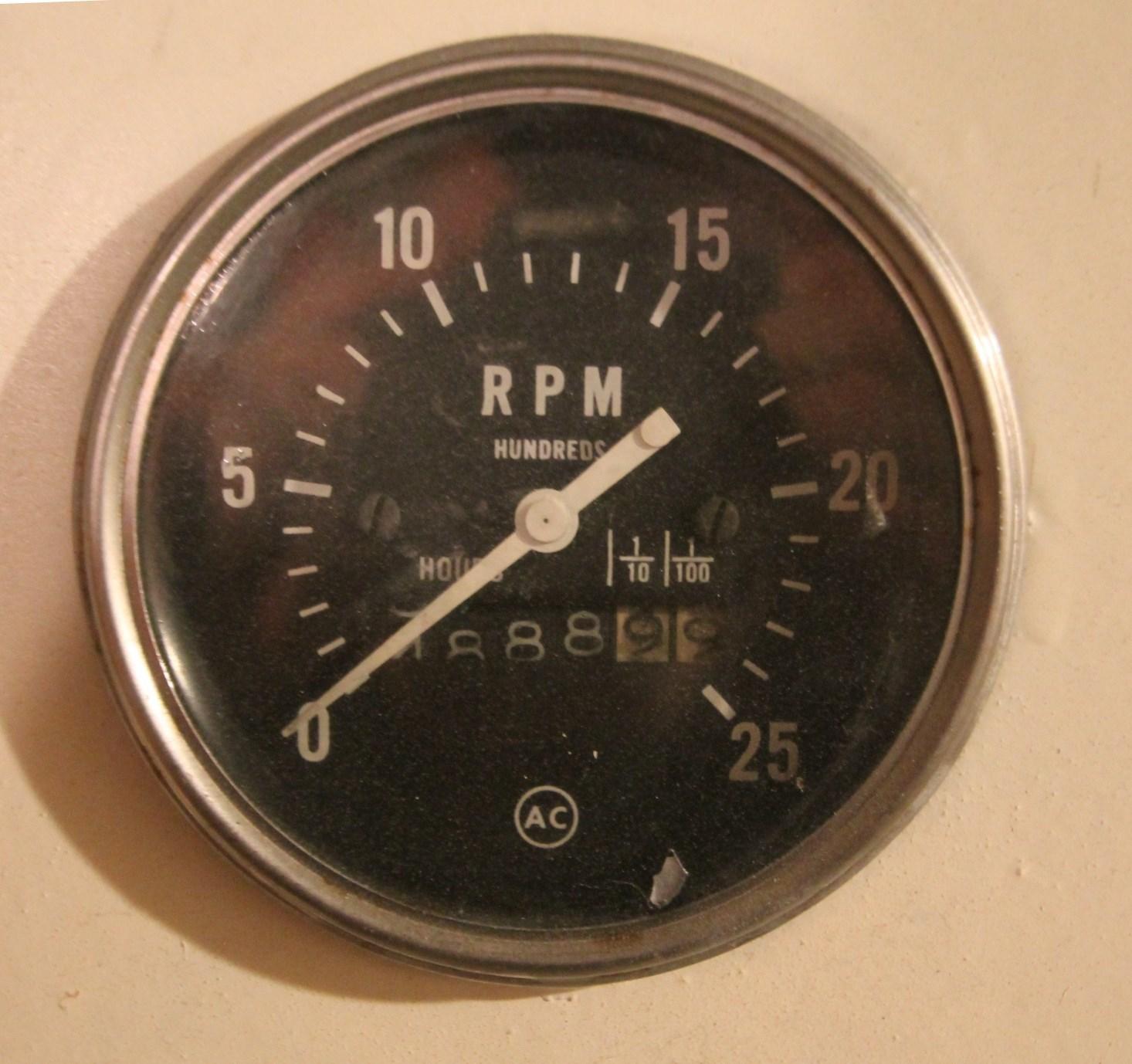 Stbd Hour Meter