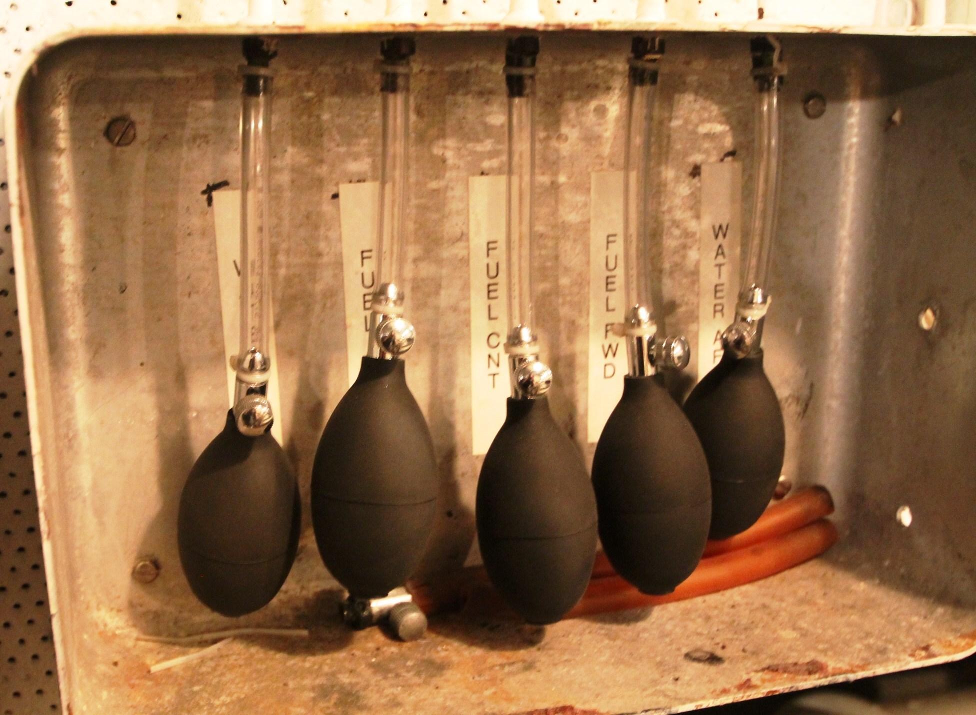 Water/Fuel Pressure Bulbs