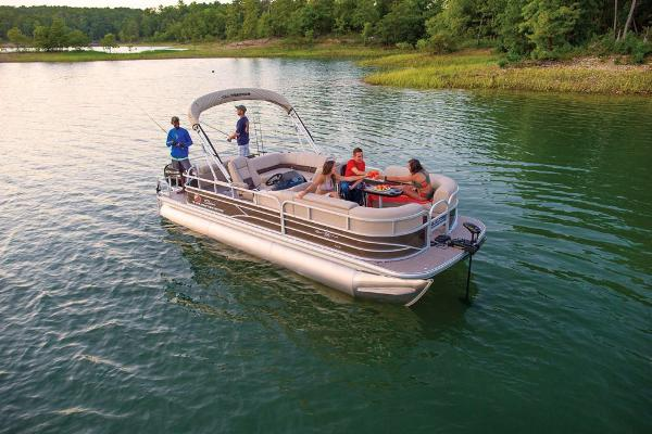 2019 Sun Tracker boat for sale, model of the boat is SportFish 22 XP3 & Image # 3 of 31