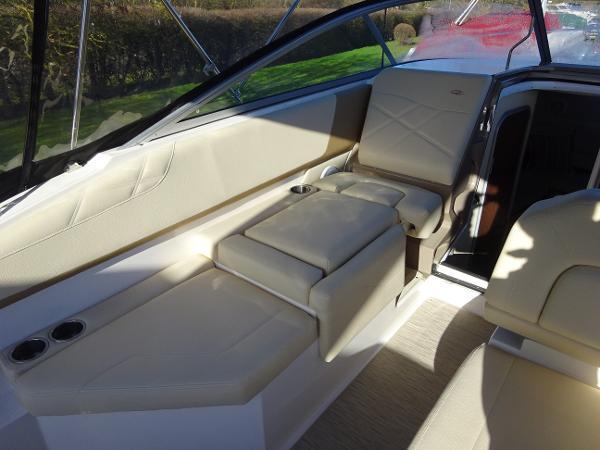 2018 Regal 26 Express Cruiser