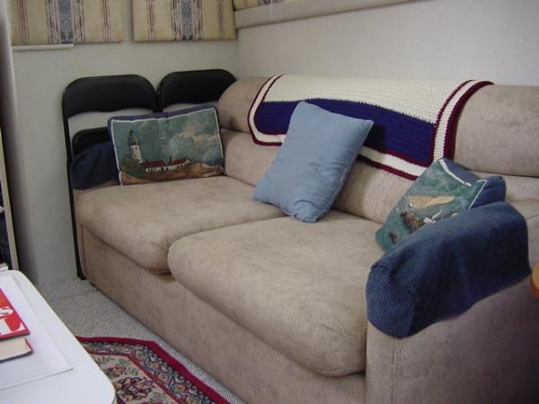 Salon Couch
