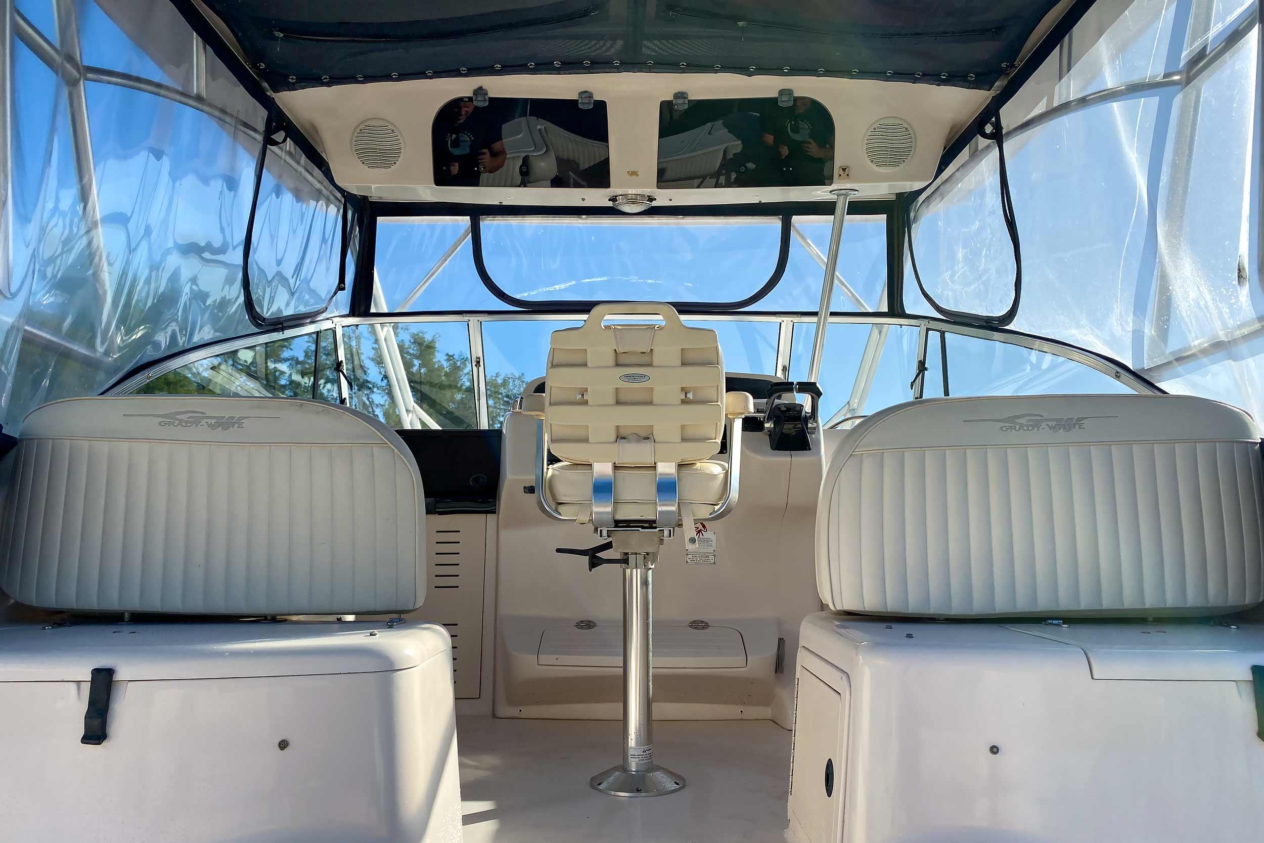 2001 Grady-White Express 330