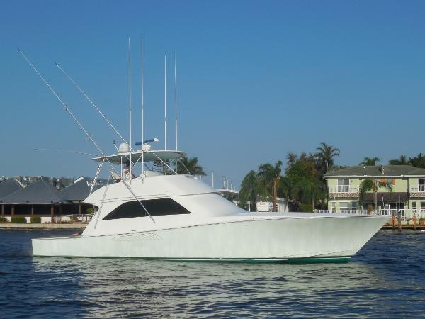 2004 56' Viking 56 Convertible