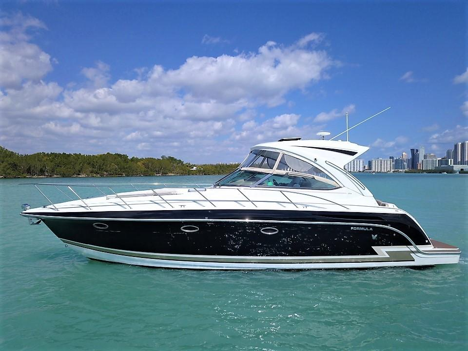 37 Formula 2013 Sunny Isles | Denison Yacht Sales
