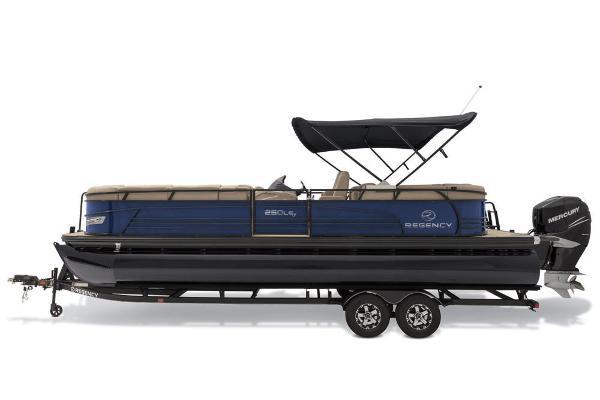 2019 Regency boat for sale, model of the boat is 250 LE3 & Image # 12 of 16