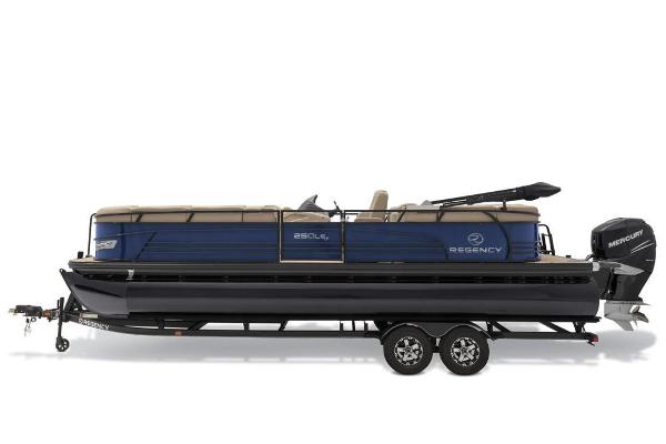 2019 Regency boat for sale, model of the boat is 250 LE3 & Image # 10 of 16