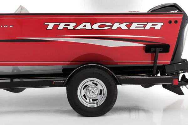 2017 Tracker Boats boat for sale, model of the boat is Pro Guide V-175 SC & Image # 6 of 30