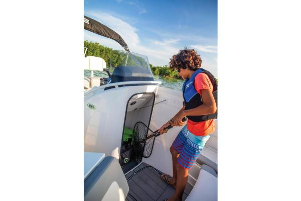 2019 Tahoe boat for sale, model of the boat is 2150 CC & Image # 15 of 33