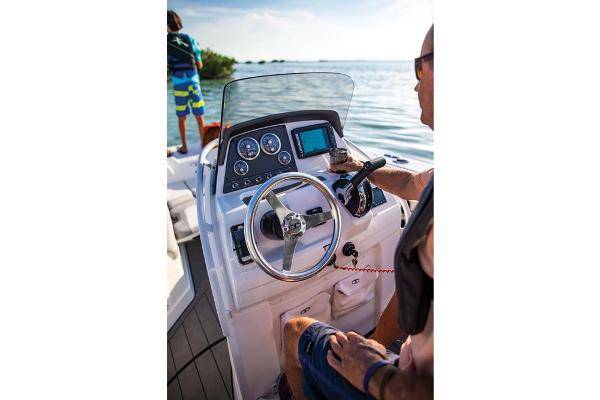 2019 Tahoe boat for sale, model of the boat is 2150 CC & Image # 19 of 33