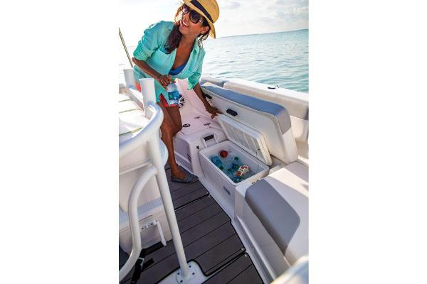 2019 Tahoe boat for sale, model of the boat is 2150 CC & Image # 28 of 33