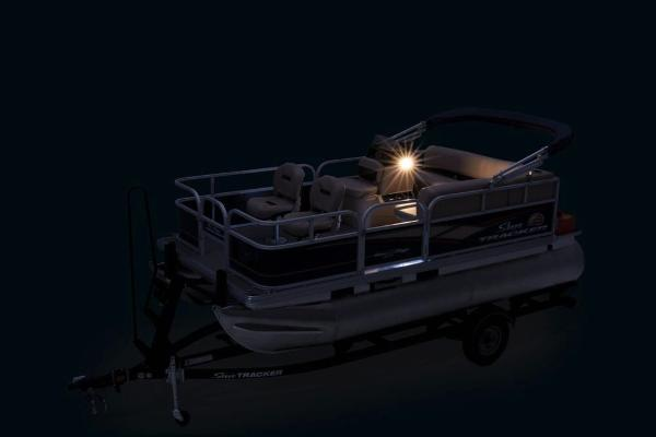2019 Sun Tracker boat for sale, model of the boat is Bass Buggy 16 DLX & Image # 15 of 20