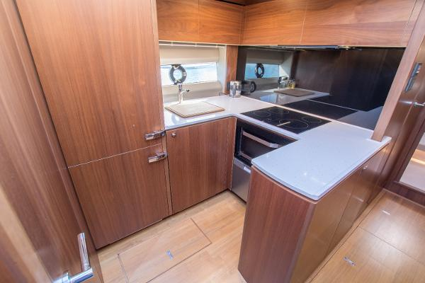 Princess Motor Yacht Sales - Used Princess V58
