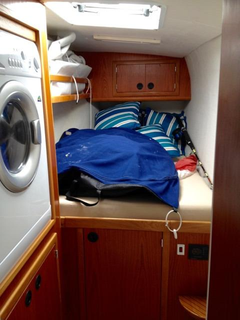 Starboard Hull Forward Guest Stateroom with Washer/Dryer