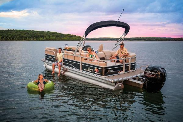 2019 Sun Tracker boat for sale, model of the boat is Party Barge 22 RF DLX & Image # 15 of 56