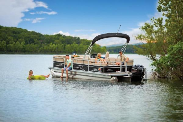 2019 Sun Tracker boat for sale, model of the boat is Party Barge 22 RF DLX & Image # 17 of 56