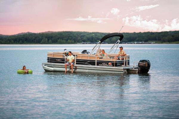 2019 Sun Tracker boat for sale, model of the boat is Party Barge 22 RF DLX & Image # 19 of 56
