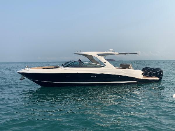 Sea Ray 350 SLX Profile