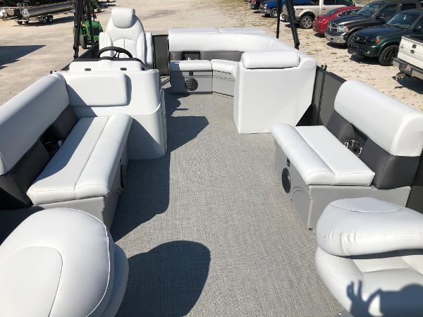 2021 Bentley boat for sale, model of the boat is 243 Fish & Image # 10 of 28