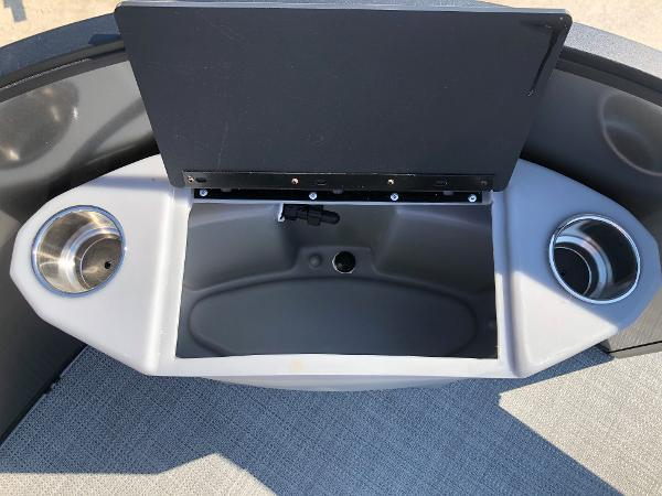 2021 Bentley boat for sale, model of the boat is 243 Fish & Image # 12 of 28
