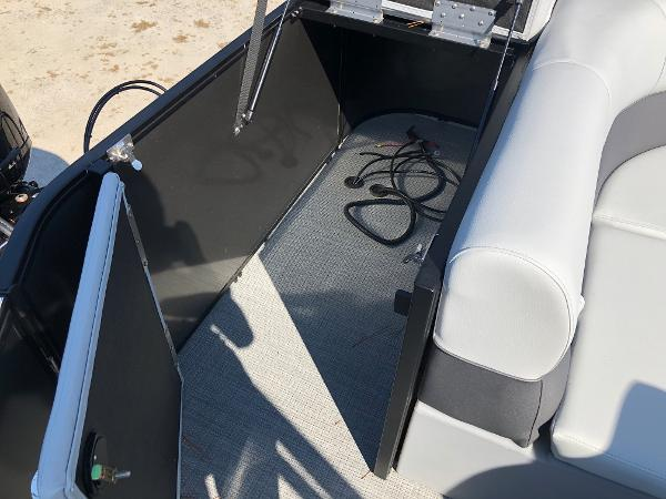 2021 Bentley boat for sale, model of the boat is 243 Fish & Image # 27 of 28