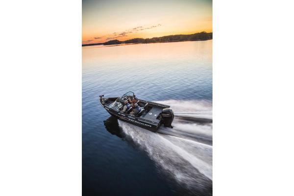 2017 Tracker Boats boat for sale, model of the boat is Targa V-18 WT & Image # 5 of 43