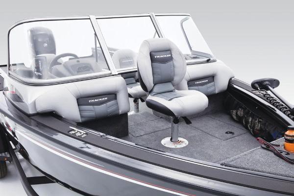 2017 Tracker Boats boat for sale, model of the boat is Targa V-18 WT & Image # 16 of 43