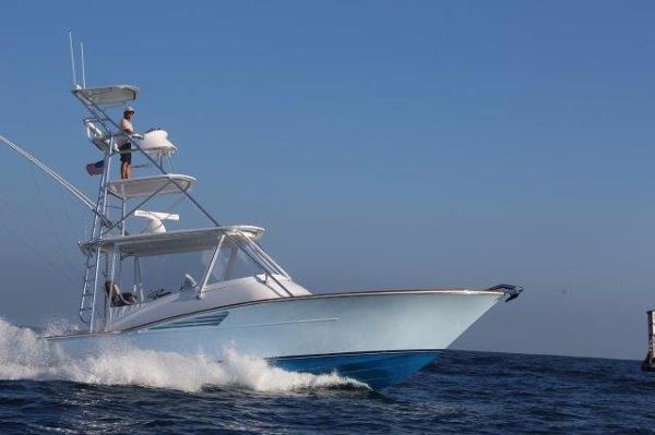 35 Predator boat