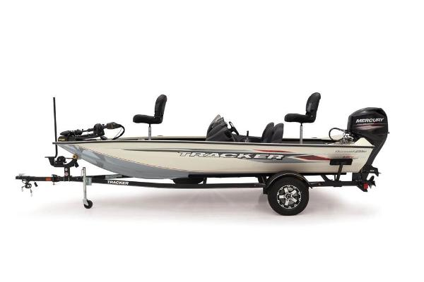 2019 Tracker Boats boat for sale, model of the boat is Pro Team 175 TXW Tournament Edition & Image # 2 of 6