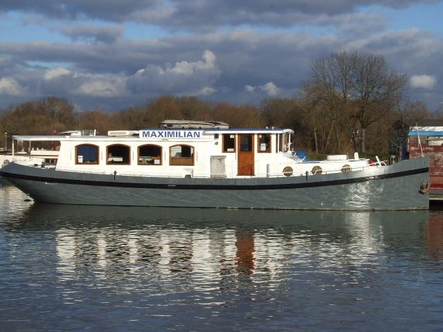 Luxemotor Dutch barge