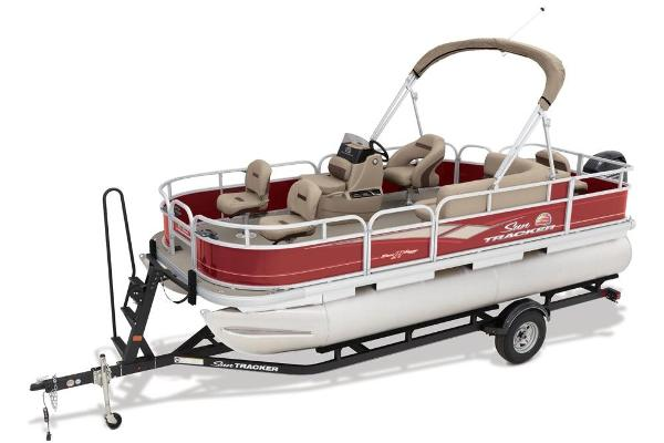 2019 Sun Tracker boat for sale, model of the boat is Bass Buggy 18 DLX & Image # 3 of 32