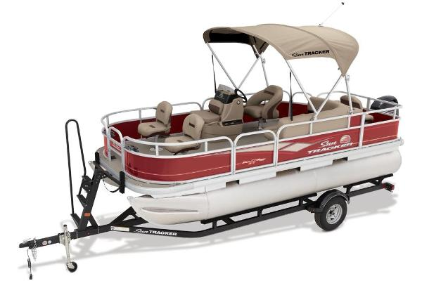 2019 Sun Tracker boat for sale, model of the boat is Bass Buggy 18 DLX & Image # 4 of 32