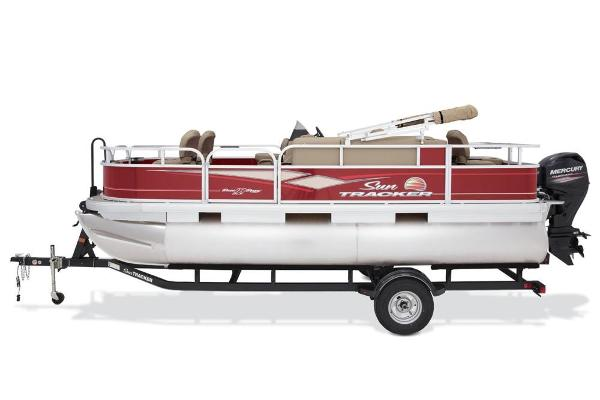 2019 Sun Tracker boat for sale, model of the boat is Bass Buggy 18 DLX & Image # 25 of 192