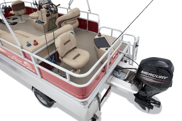 2019 Sun Tracker boat for sale, model of the boat is Bass Buggy 18 DLX & Image # 25 of 32