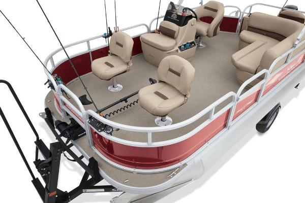 2019 Sun Tracker boat for sale, model of the boat is Bass Buggy 18 DLX & Image # 11 of 32