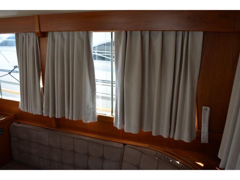 Grand Banks Sedan - Salon Curtains